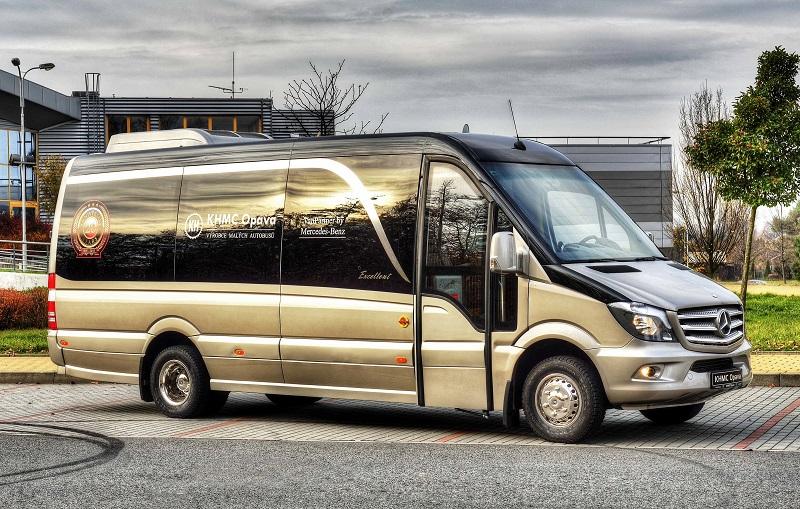 Unikátne lakovanie technológiou STANDOX autobusov KHMC