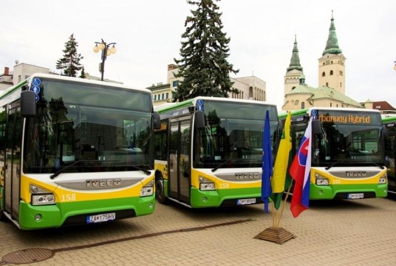 Nové autobusy IVECO s hybridným pohonom slávnostne spustené do prevádzky v Žilině