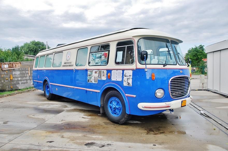 Škoda 706 RTO, rok výroby 1967,autobus vo vyhotovení transfúznej stanice,  majitel Ivan Sepeši (foto: Zdeněk Nesveda)