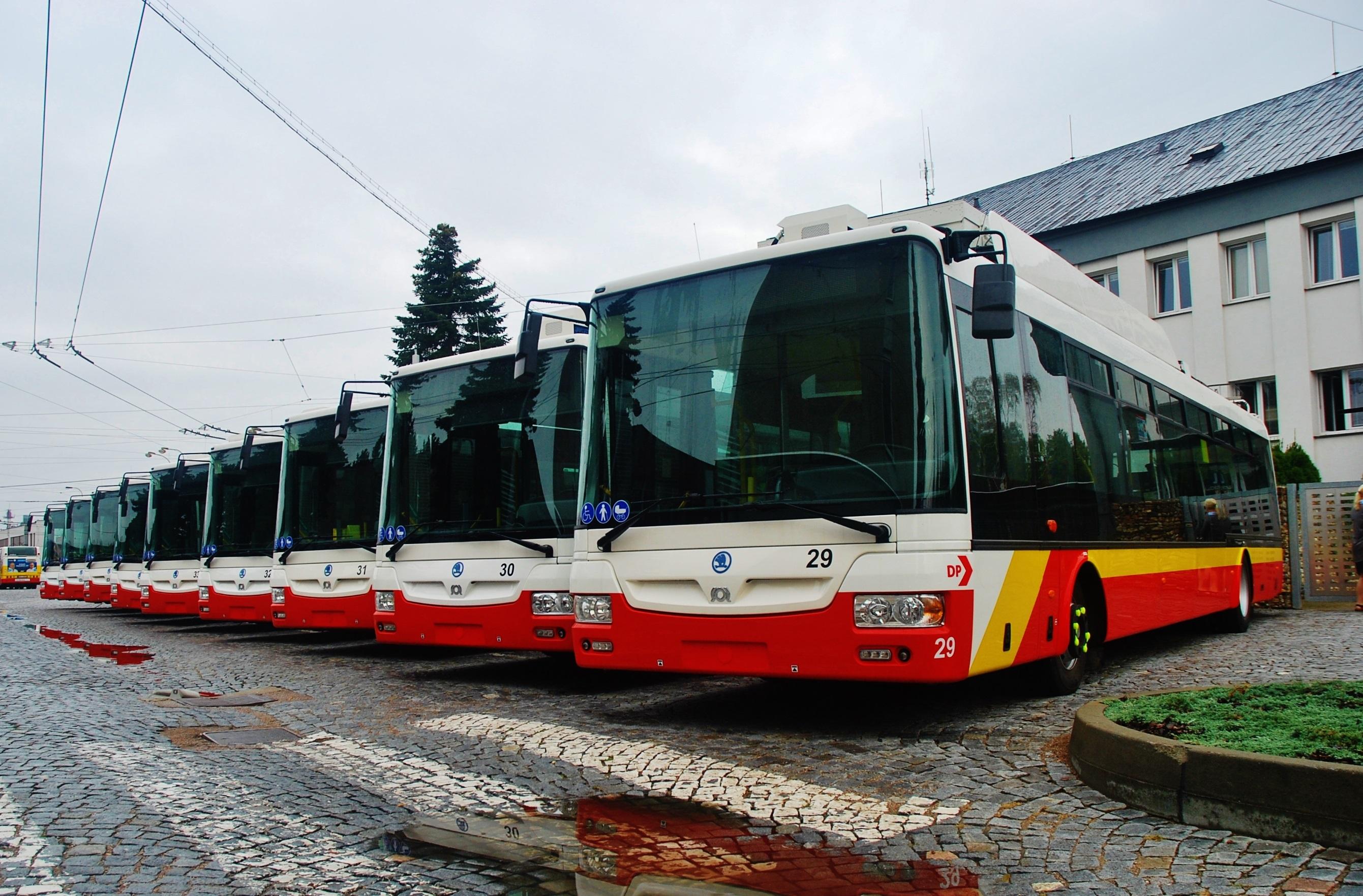 Nová flotila parciálnych trolejbusov Škoda v Dopravným mesta Hradca Králové (foto: Zdeněk Nesveda BusPress)