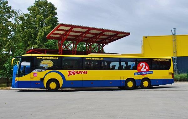 Nie je tajomstvom, že flotilu tvorí viac než 90 % autobusov Mercedes-Benz a Setra (foto: Zdeněk Nesveda)