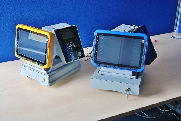 Inteligentní odbavovací zařízení Mikroelektronika pro linkovou dopravu (foto: Zdeněk Nesveda)
