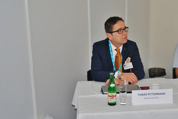 Ing. Tomáš Pittermann MBA, předseda představenstva společnosti EKOVA ELECTRIC na konferenci Elektrické autobusy pro město 2017  v Praze (foto: Zdeněk Nesveda)