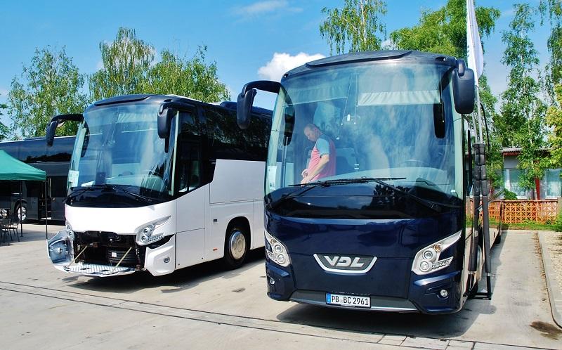 VDL úspešne obchoduje na Slovensku aj v Čechách taktiež so zánovnými autobusmi z druhej ruky, vďaka čomu sa darí rýchlejšie omladzovať vozové parky dopravcov