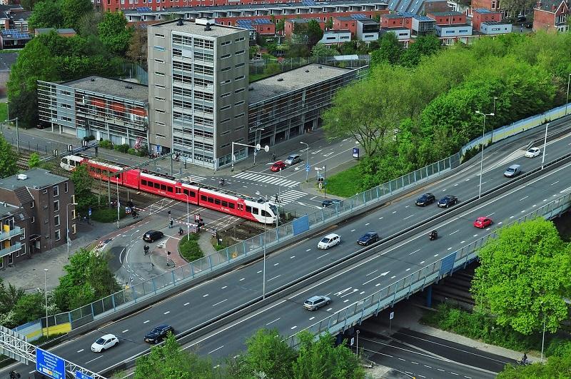 Inteligentní systémy řídí a koordinují dopravu v hustě osídlených aglomeracích (foto: archiv autora)