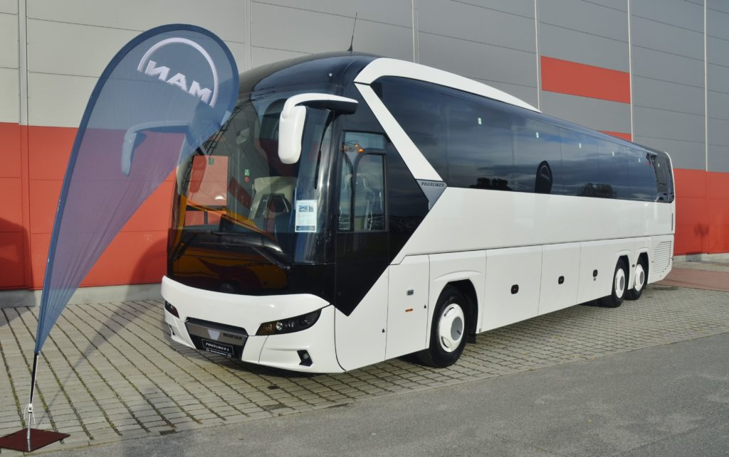 NEOPLAN Tourliner L (foto: BusPress)